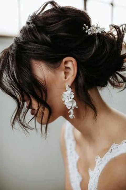 Bridal hairstyle with long bangs