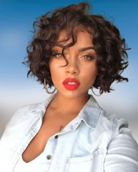 Cool natural curly hairstyle for short hair