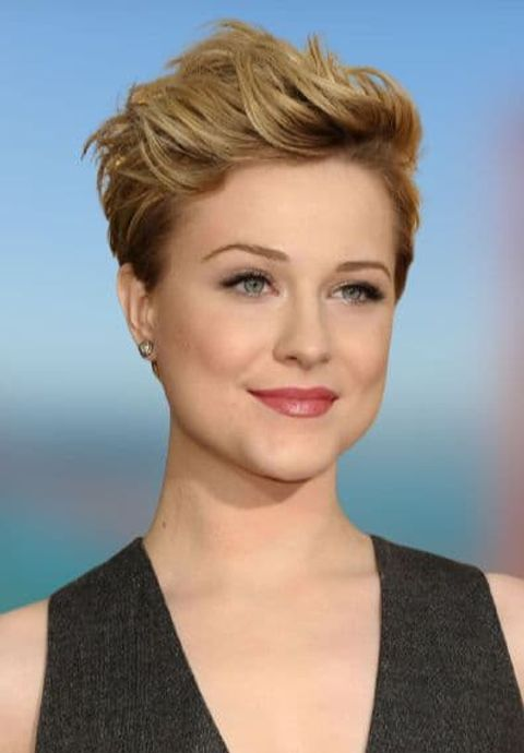 Blonde pixie haircut idea for women with round face