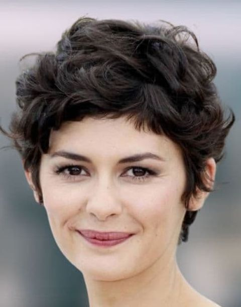 Curly short haircut for round faces