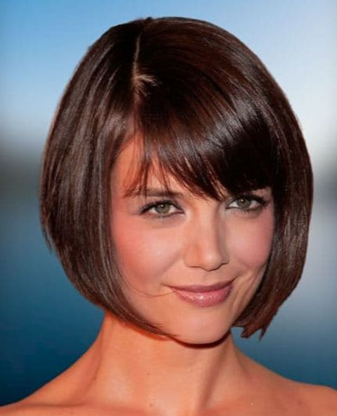 Layered short bob hairstyle for round face