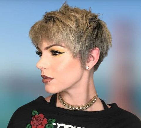 Cool pixie cut for ladies