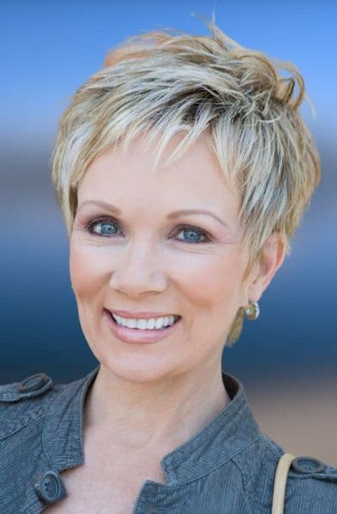Pixie cut for women over 50 in 2021-2022