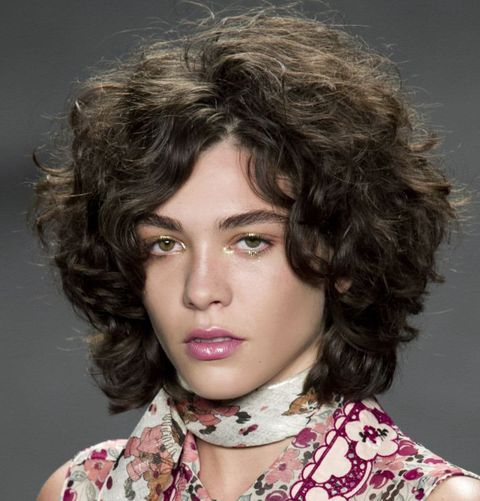 Fine hair curly shoulder length hairstyle 2021-2022