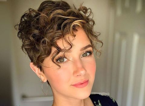 Pixie hairstyles for women with curly hair type 2020