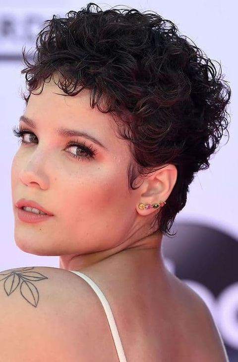 Pixie curly hair for round face in 2021-2022