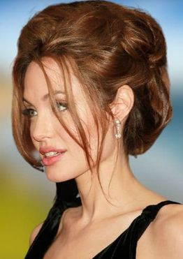 Angelina Jolie's hairstyles and hair colors