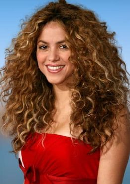Shakira hairstyles, haircuts and hair colors 2021-2022